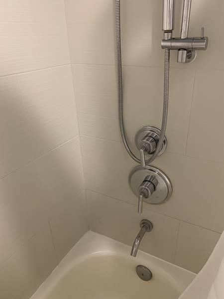 シャワーの取っ手