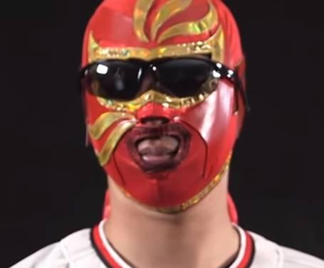 マスクを被った時の井川慶